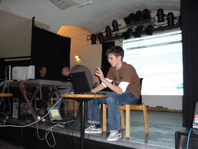Backtrack Day 2009 - SMTX bei seinem DECT Vortrag